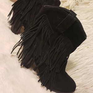 Shoes - GREAT CONDITION Fringe Booties